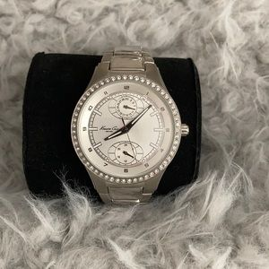Kenneth Cole SS ivory face w/ crystals